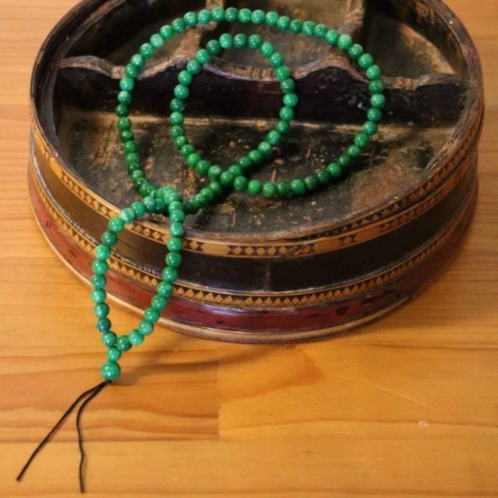 collier artisanal jade