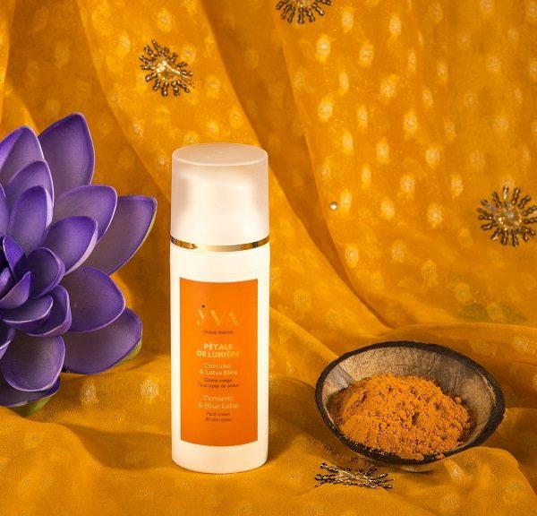 soin hydratant visage pétale de lumière curcuma et lotus bleu yva océan indien soins aux plantes de l'océan indien